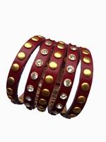 Lederen armband met studs rood